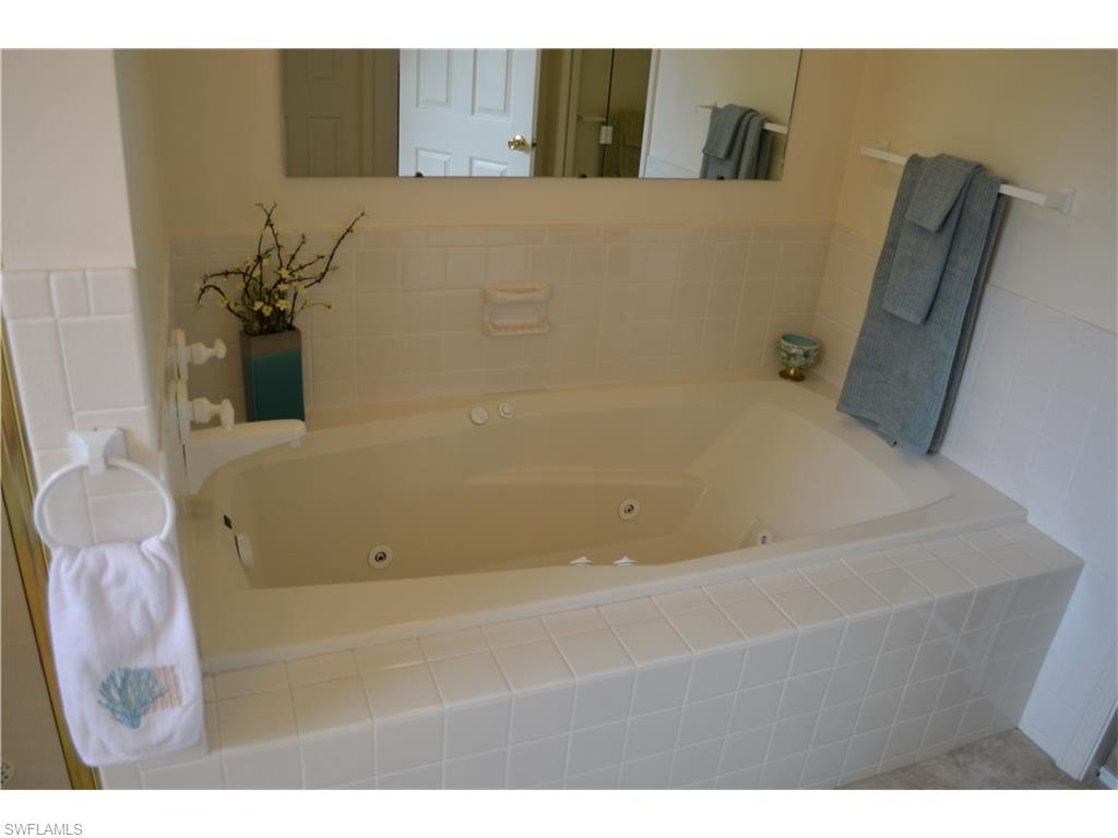 Additional photo for property listing at 611 Portside Dr Naples, Florida,Stati Uniti
