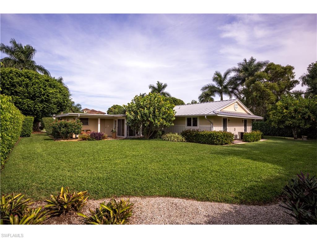 Additional photo for property listing at 680 Wedge Drive, Naples, Florida  34102  Naples, Florida,34102 Estados Unidos