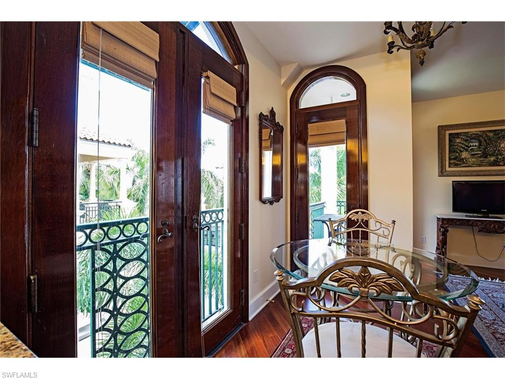 Additional photo for property listing at 720 5th Ave S 301 Naples, Florida,Vereinigte Staaten