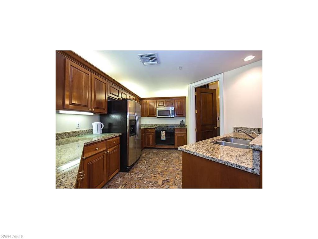Additional photo for property listing at 720 5th Ave S 305 Naples, Florida,Estados Unidos