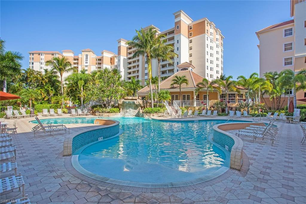 Additional photo for property listing at 400 Flagship Dr 905 Naples, Florida,États-Unis