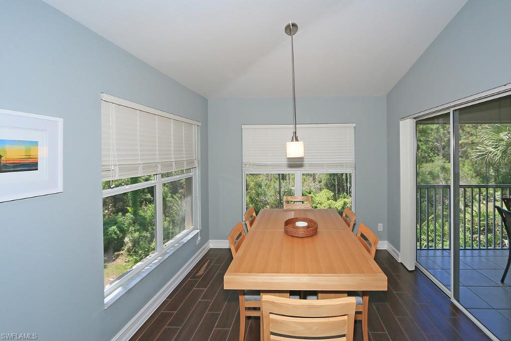 Additional photo for property listing at 801 Carrick Bend Cir 201 Naples, 플로리다,미국