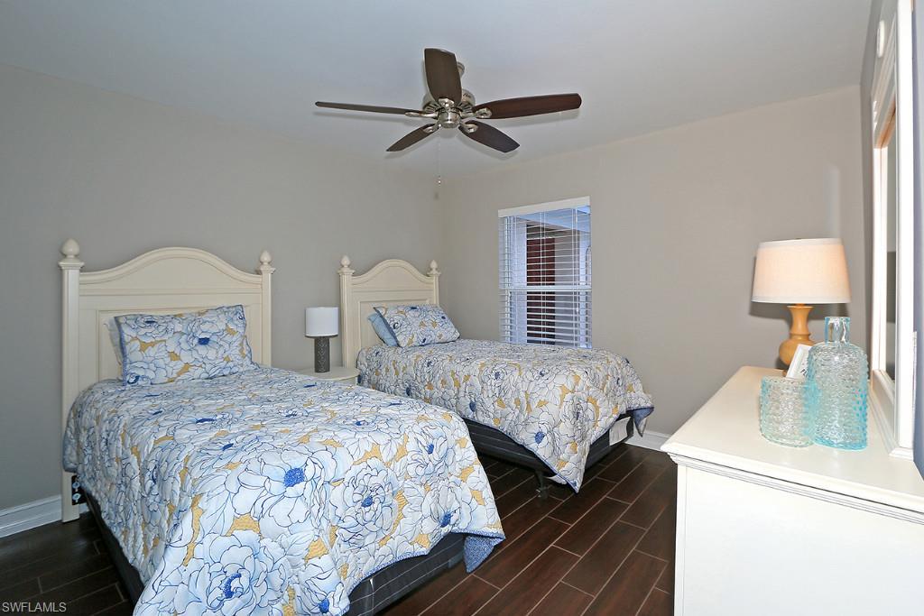 Additional photo for property listing at 801 Carrick Bend Cir 201 Naples, Флорида,Соединенные Штаты