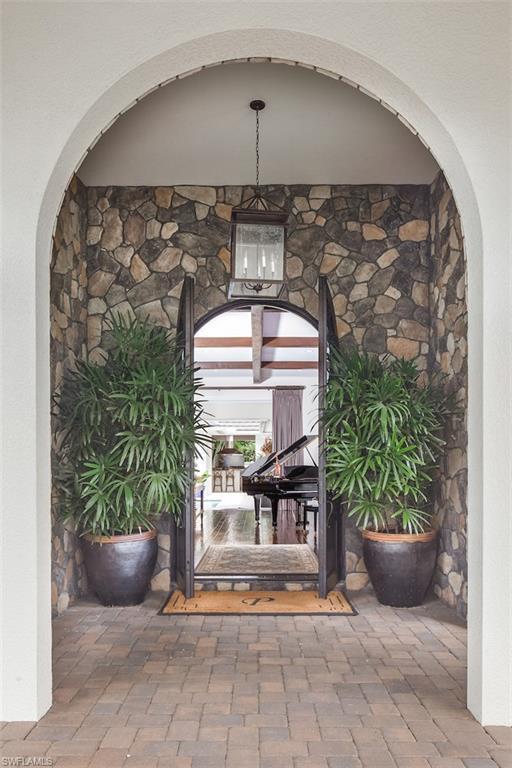 Additional photo for property listing at 725 Ketch Dr 那不勒斯, 佛罗里达州,美国