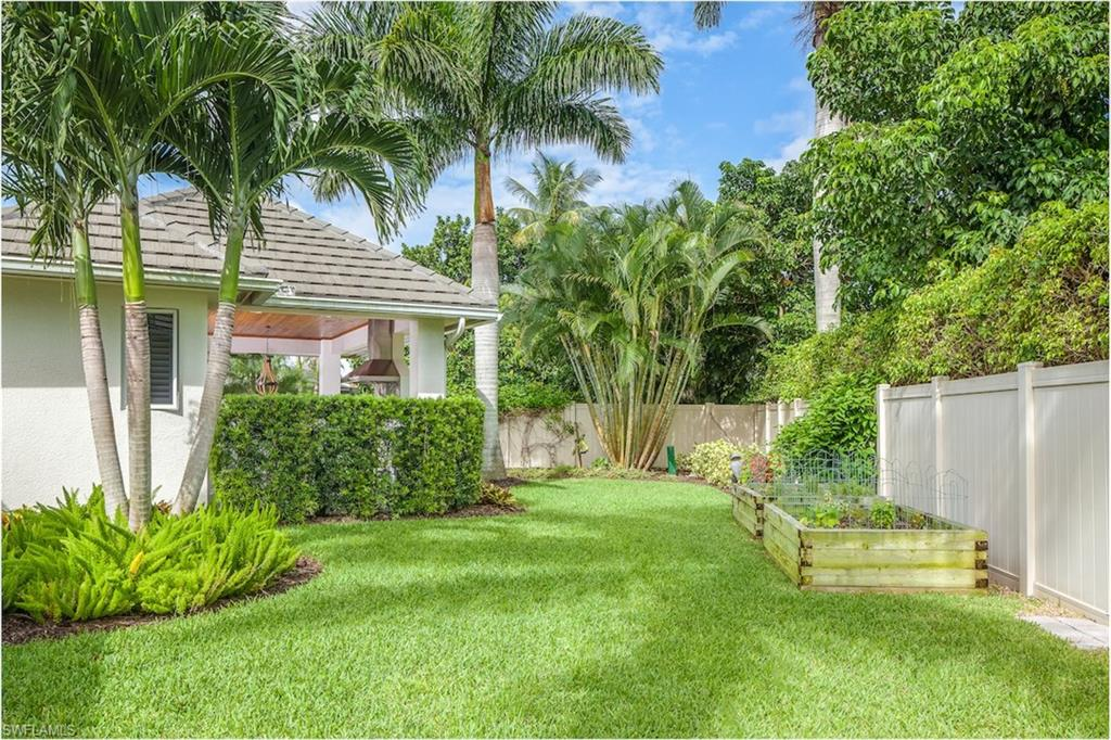 Additional photo for property listing at 725 Ketch Dr Naples, Florida,Stati Uniti