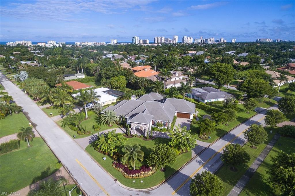 Additional photo for property listing at 725 Ketch Dr Naples, Florida,Hoa Kỳ