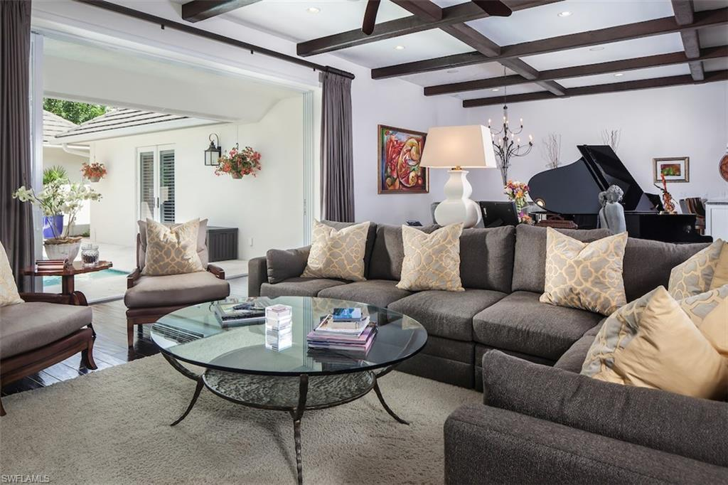 Additional photo for property listing at 725 Ketch Dr Naples, Florida,Usa