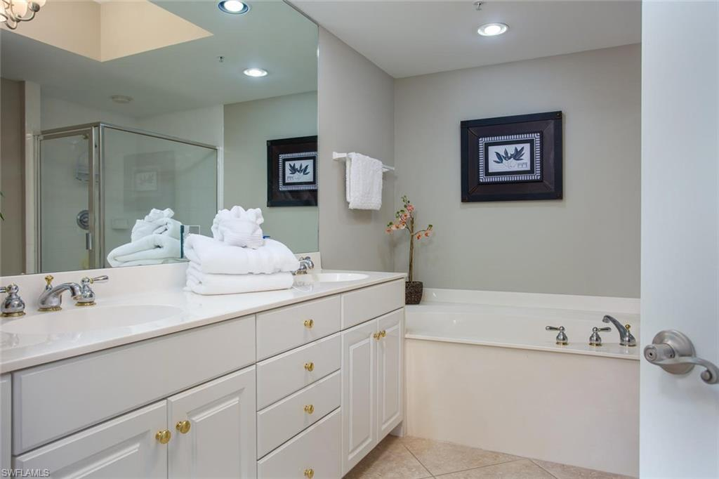 Additional photo for property listing at 325 Dunes Blvd 505 Naples, Florida,United States