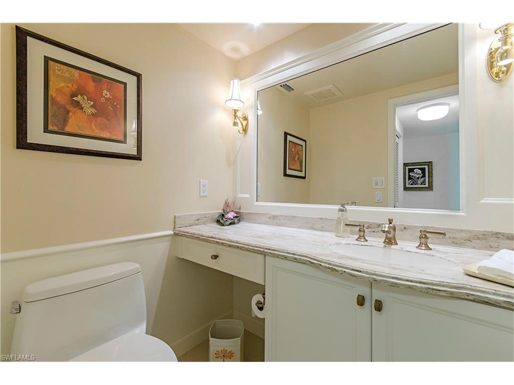 Additional photo for property listing at 6360 Pelican Bay Blvd Ph6 Naples, Florida,Estados Unidos