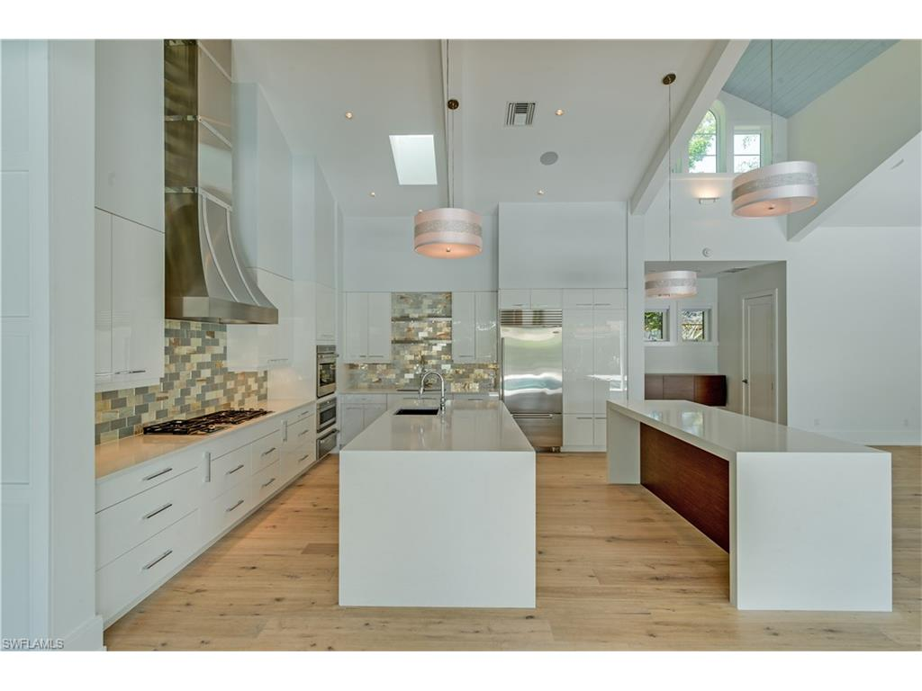 Additional photo for property listing at 514 3rd St N Naples, Florida,Stati Uniti