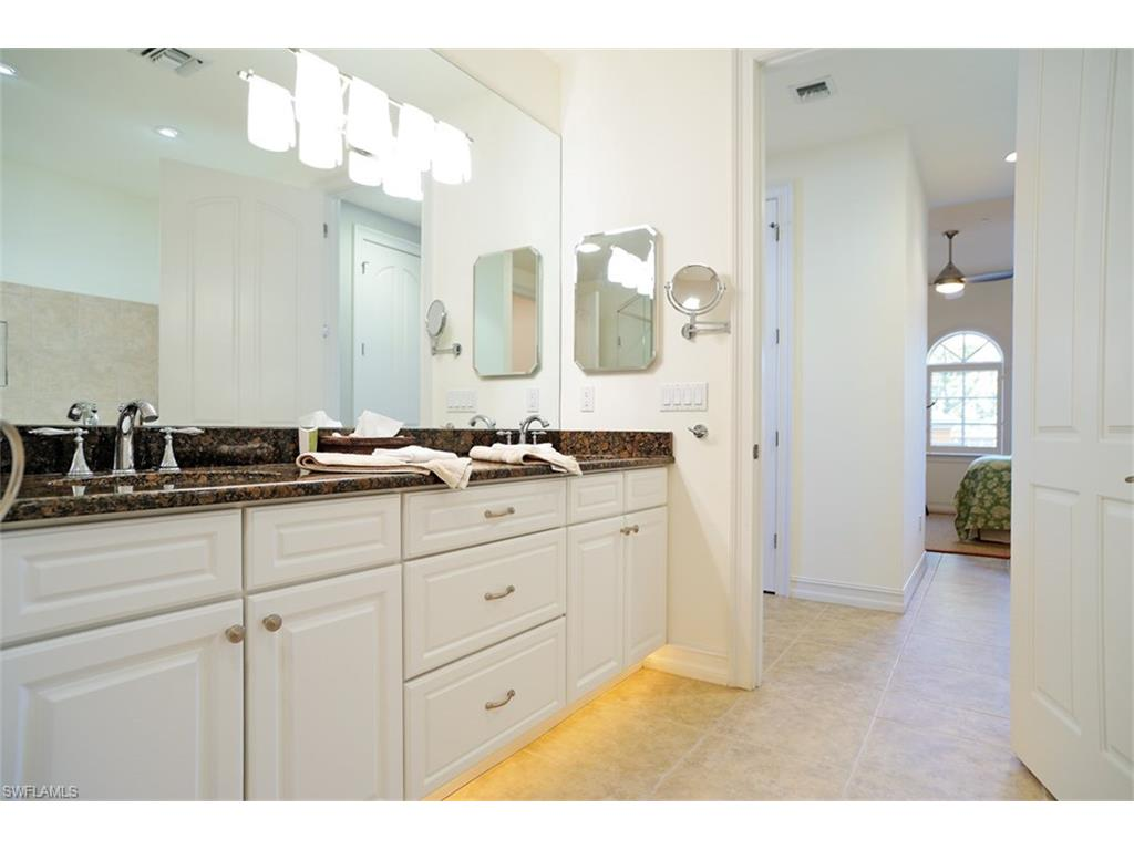 Additional photo for property listing at 623 6th Ave S B-205 Naples, 플로리다,미국