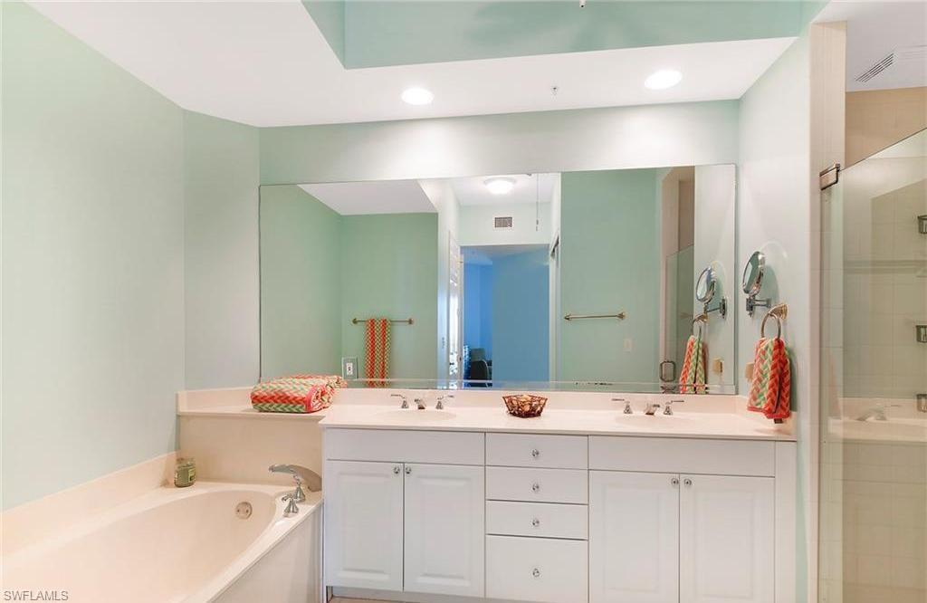 Additional photo for property listing at 410 Flagship Dr 1202 Naples, Florida,Vereinigte Staaten