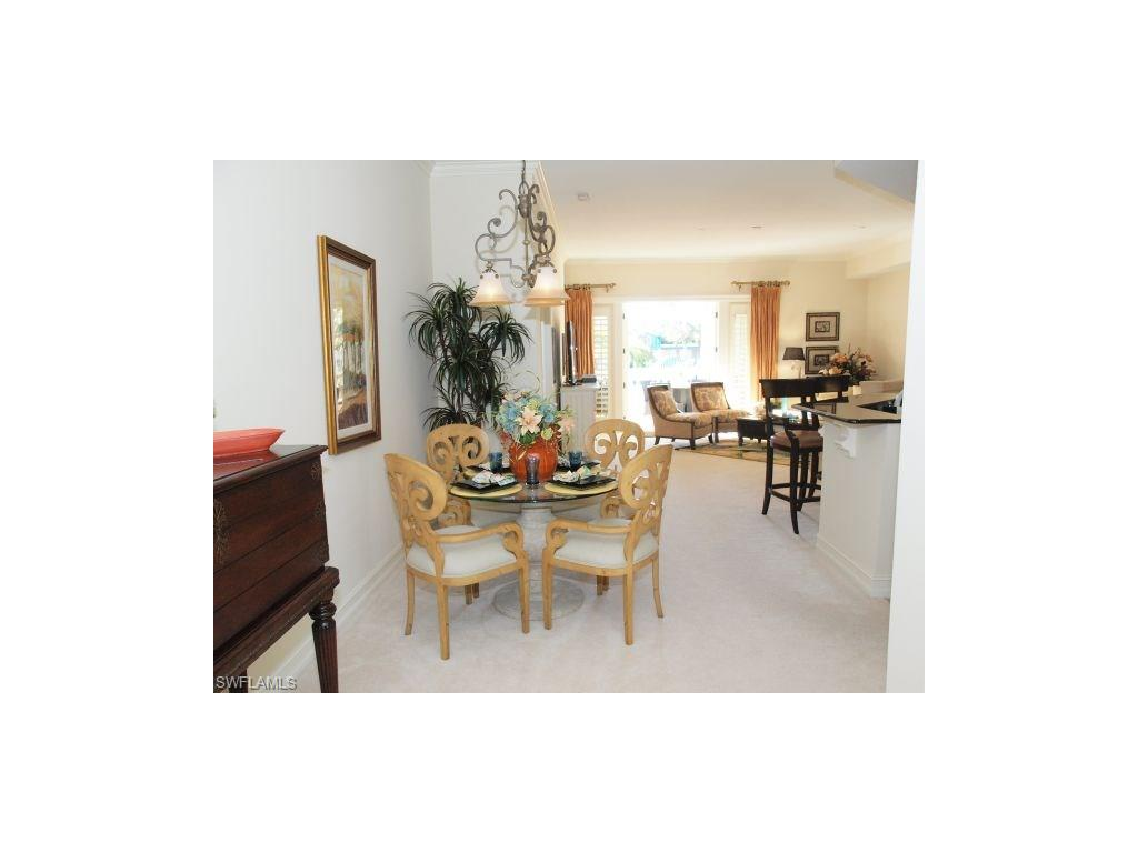 Additional photo for property listing at 621 6th Ave S B-204 Naples, Florida,Estados Unidos