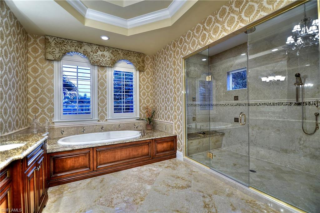 Additional photo for property listing at 1940 6th St S Naples, フロリダ,アメリカ合衆国