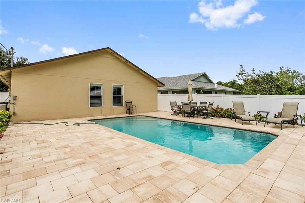 Additional photo for property listing at 534 96th Ave Naples, Florida,Hoa Kỳ