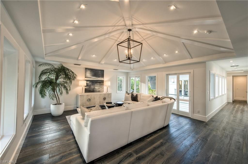 Additional photo for property listing at 489 1st Ave S Naples, Florida,Verenigde Staten
