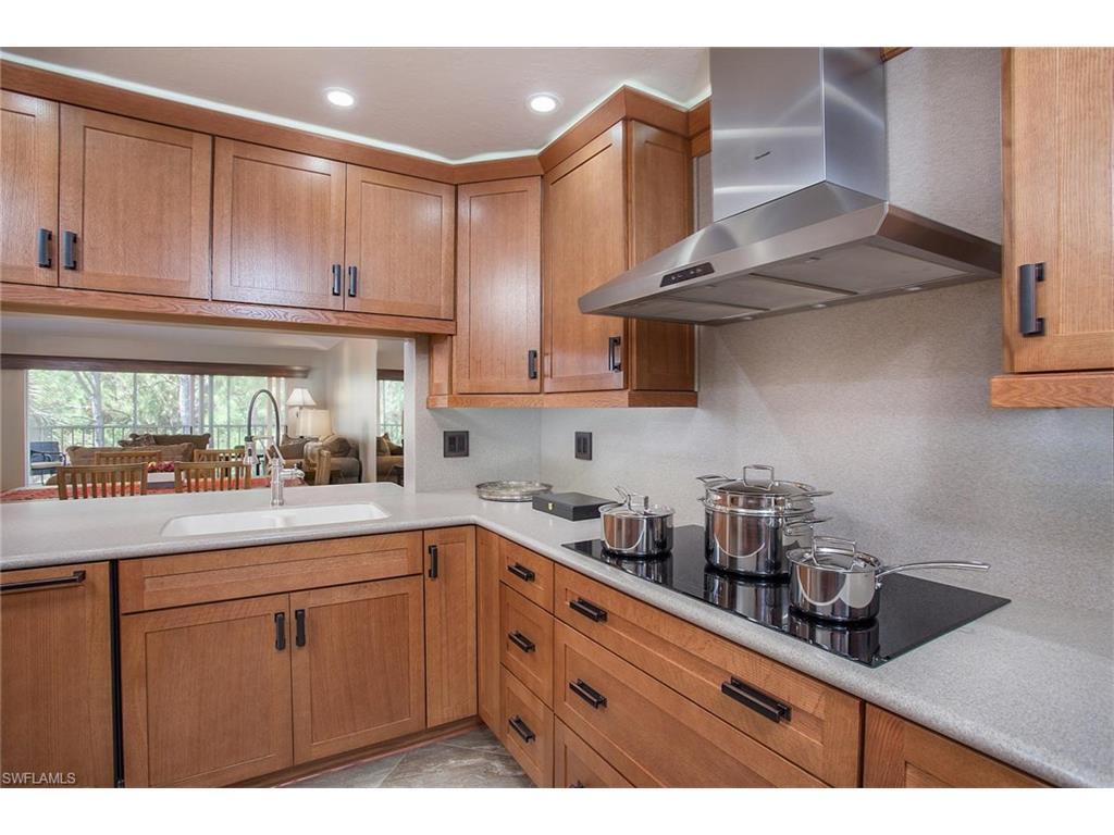 Additional photo for property listing at 332 Sugar Pine Ln 332 Naples, Florida,Hoa Kỳ