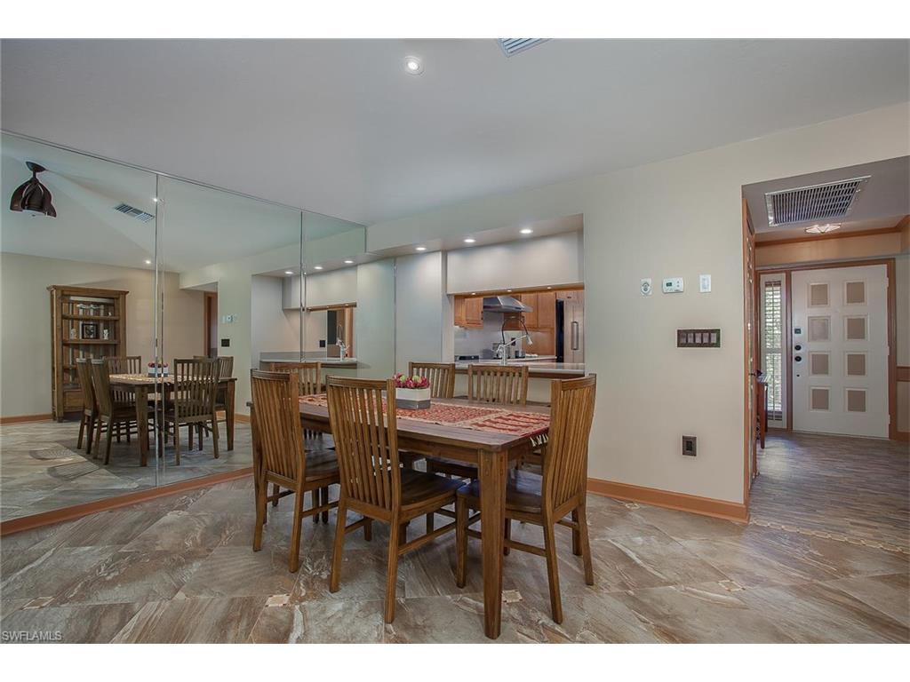 Additional photo for property listing at 332 Sugar Pine Ln 332 Naples, 佛羅里達州,美國