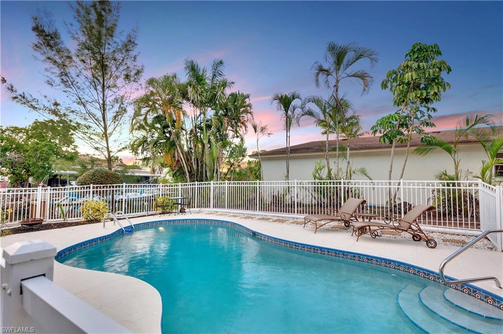 Meer voor Verkoop een t 1200 Sandpiper St Naples, Florida,Verenigde Staten