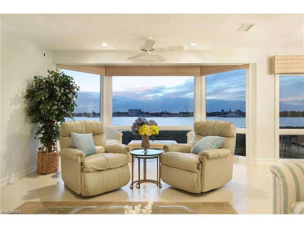 Additional photo for property listing at 1301 Chesapeake Ave 1-b Naples, フロリダ,アメリカ合衆国