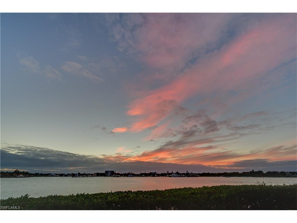 Additional photo for property listing at 1301 Chesapeake Ave 1-b Naples, Φλοριντα,Ηνωμενεσ Πολιτειεσ