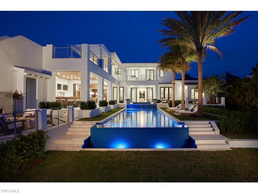 Diğer için Satış at 205 South Lake Dr Naples, Florida,Amerika Birleşik Devletleri