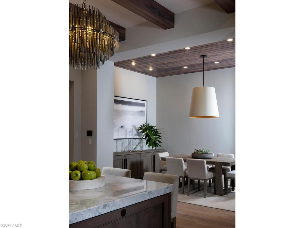 Additional photo for property listing at 205 South Lake Dr Naples, Florida,Amerika Birleşik Devletleri