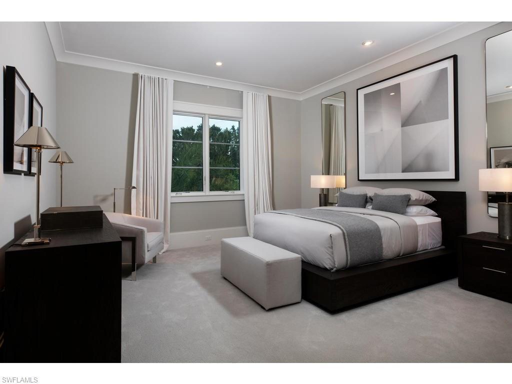 Additional photo for property listing at 205 South Lake Dr Naples, Florida,Estados Unidos