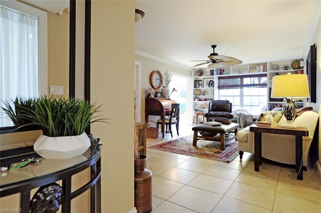 105 Bobolink Way 5a, Naples, FL - USA (photo 1)