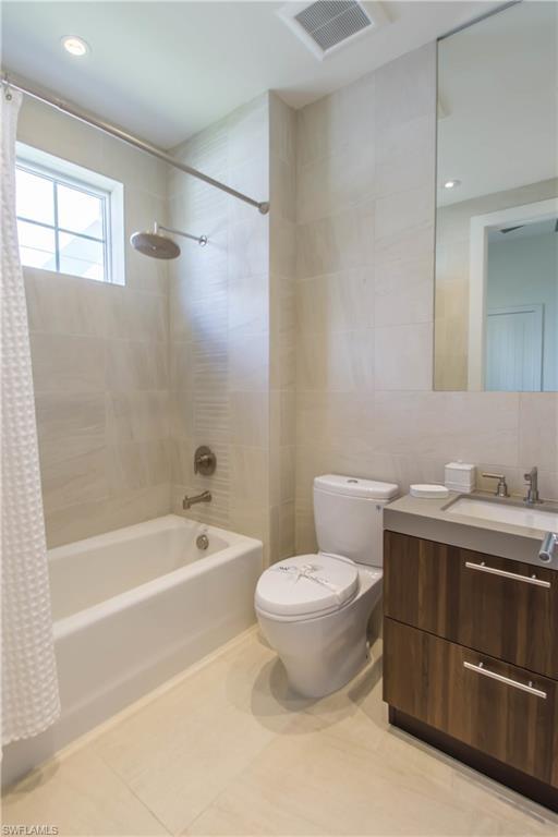 Additional photo for property listing at 3255 Tavolara Ln Naples, Florida,Stati Uniti
