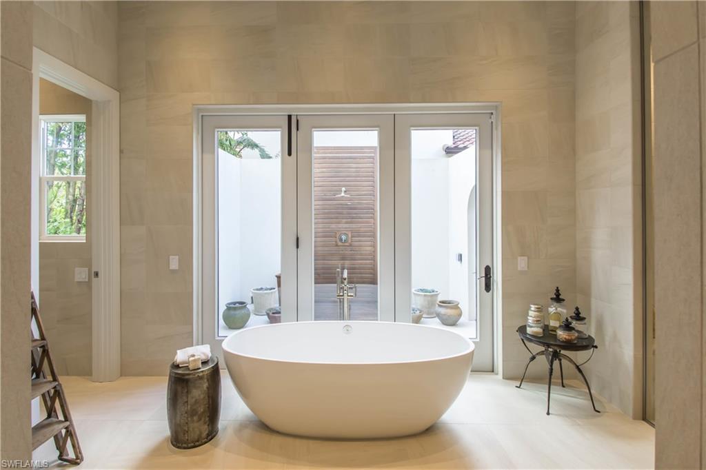 Additional photo for property listing at 3255 Tavolara Ln Naples, Florida,Estados Unidos