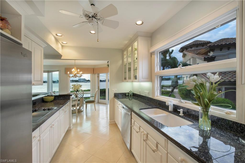 Additional photo for property listing at 1301 Chesapeake Ave 1301-b Naples, Florida,United States