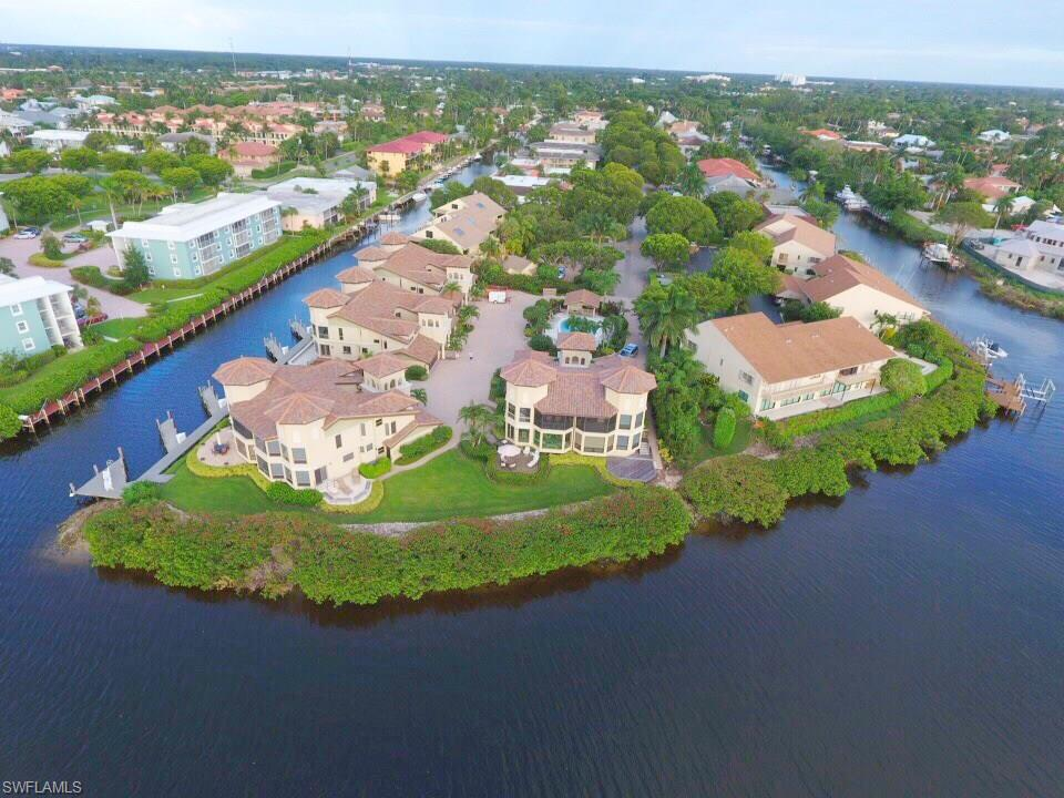 Additional photo for property listing at 1301 Chesapeake Ave 1301-b Naples, Florida,Amerika Birleşik Devletleri