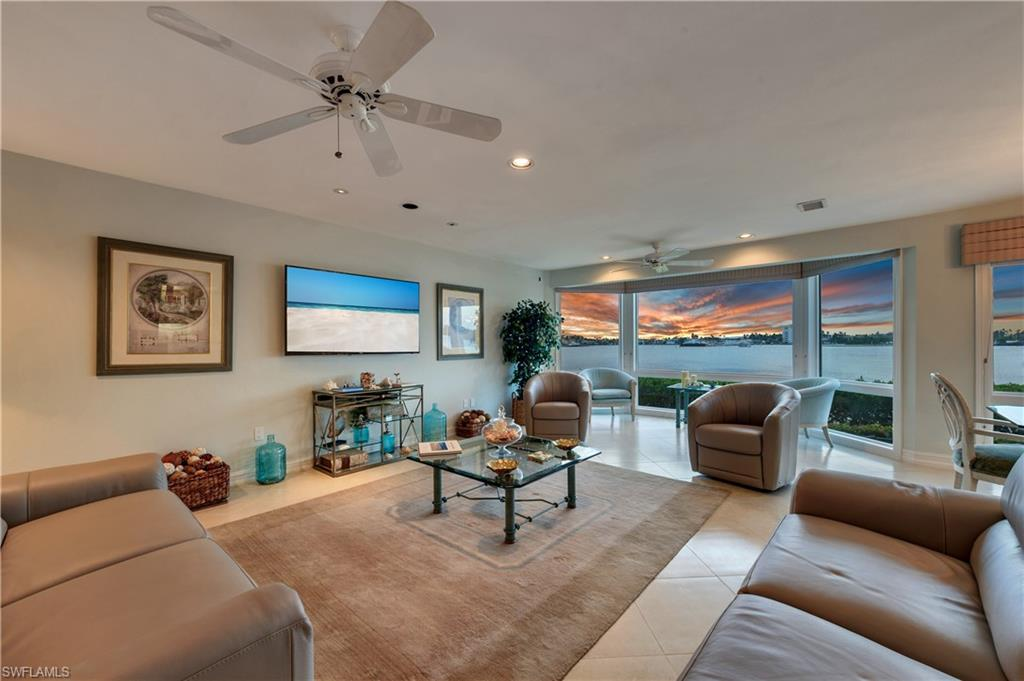 Additional photo for property listing at 1301 Chesapeake Ave 1301-b Naples, Florida,Estados Unidos