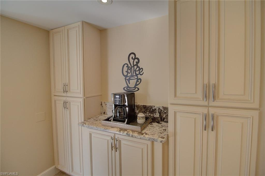 Additional photo for property listing at 4451 Gulf Shore Blvd N 202 Naples, Florida,Verenigde Staten
