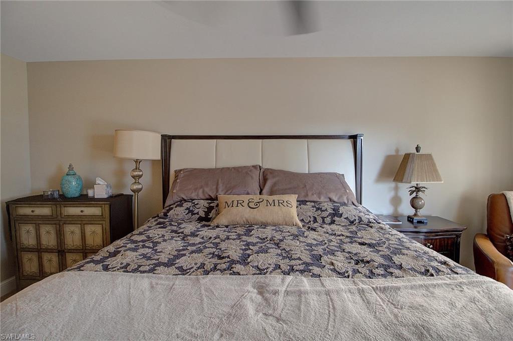 Additional photo for property listing at 4451 Gulf Shore Blvd N 202 Naples, Флорида,Соединенные Штаты