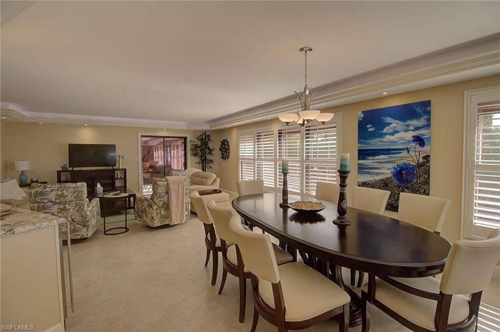Additional photo for property listing at 4451 Gulf Shore Blvd N 202 Naples, Florida,Estados Unidos