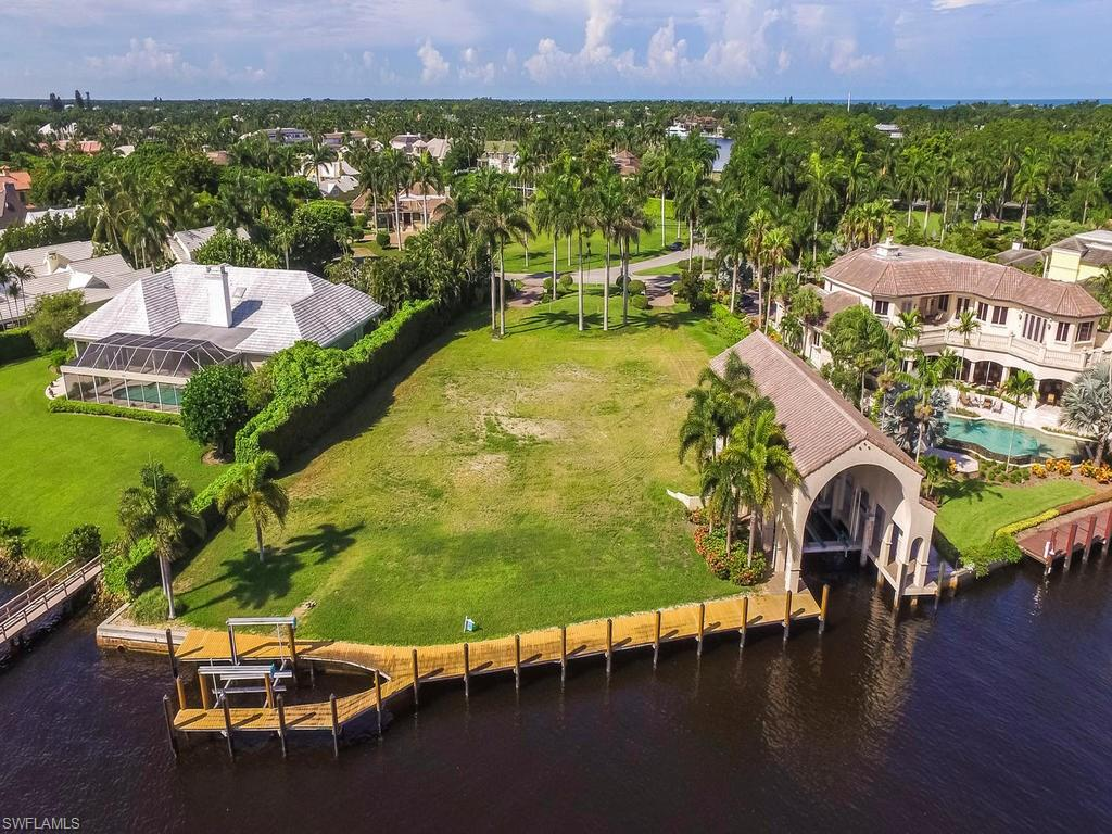 Additional photo for property listing at 801 Galleon Dr 801 Galleon Dr Naples, Florida,34102 États-Unis