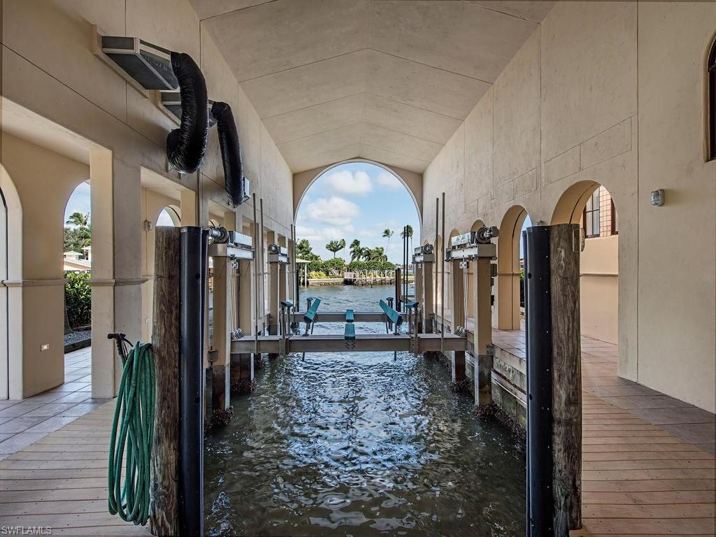 Additional photo for property listing at 801 Galleon Dr 801 Galleon Dr Naples, Florida,34102 Stati Uniti