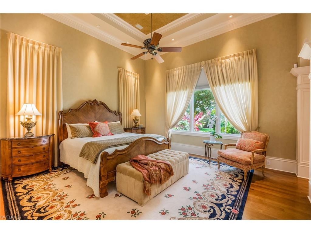Additional photo for property listing at 13741 Pondview Cir Naples, Florida,États-Unis
