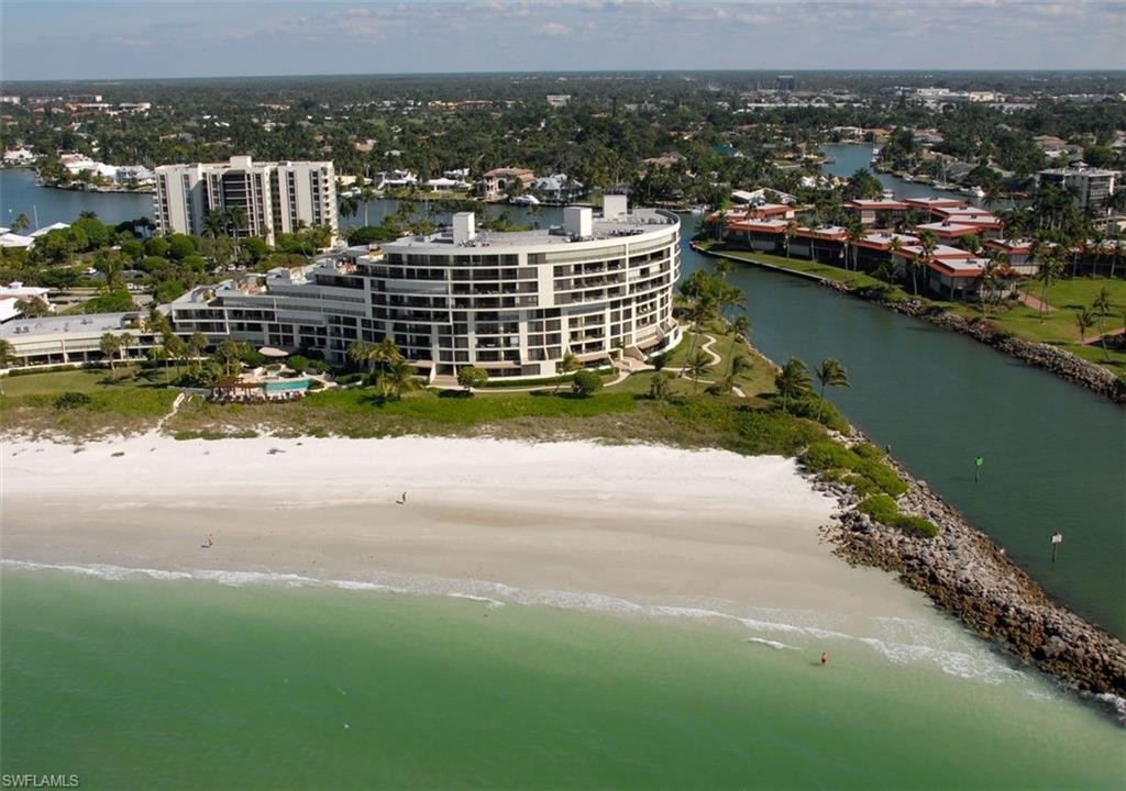 Новая постройка для того Продажа на 2400 Gulf Shore Blvd N Ph-5 Naples, Флорида,Соединенные Штаты