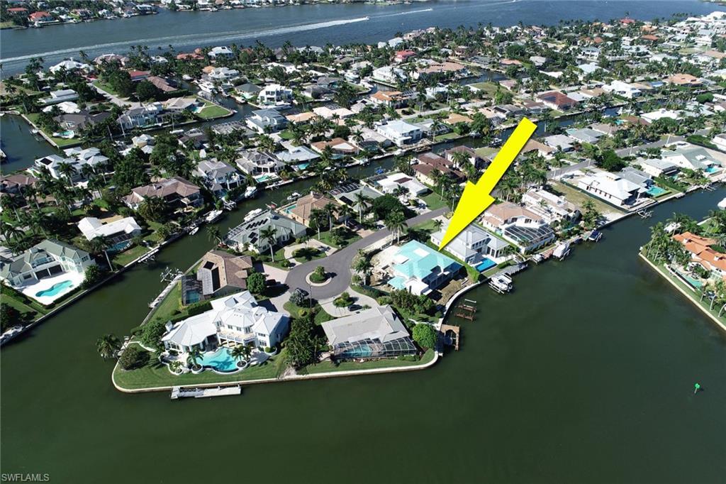 Новая постройка для того Продажа на 2295 Snook Dr Naples, Флорида,Соединенные Штаты