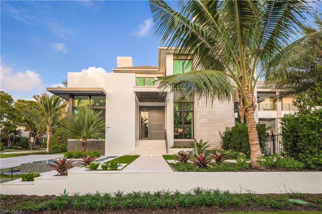 Новая постройка для того Продажа на 333 Gulf Shore Blvd S Naples, Флорида,Соединенные Штаты