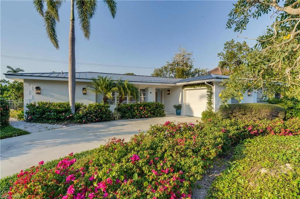 Additional photo for property listing at 405 7th Ave N Naples, 플로리다,미국