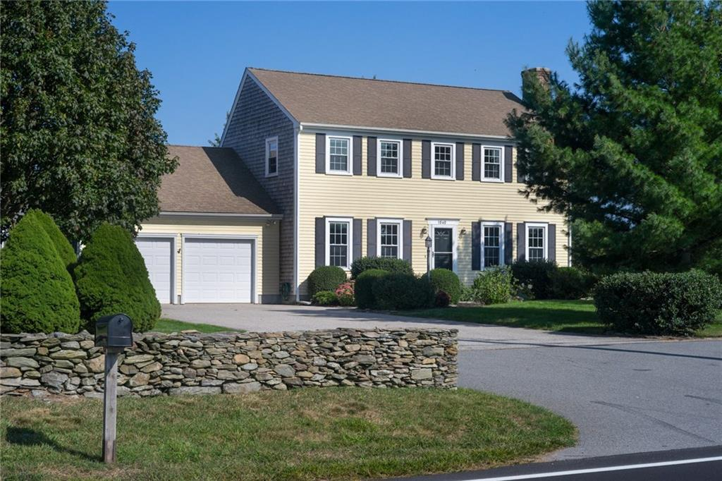 1040 Middle Rd, Portsmouth, RI - USA (photo 1)