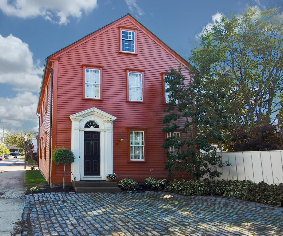 Homes for sale in newport ri william raveis real estate for Home builders in ri